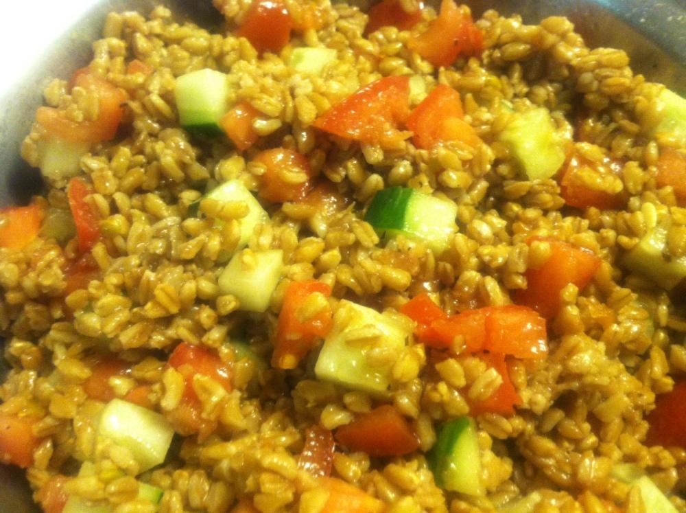 Simple Farro Salad (1/3)